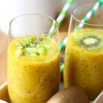 Smoothie kiwi, mangue et orange