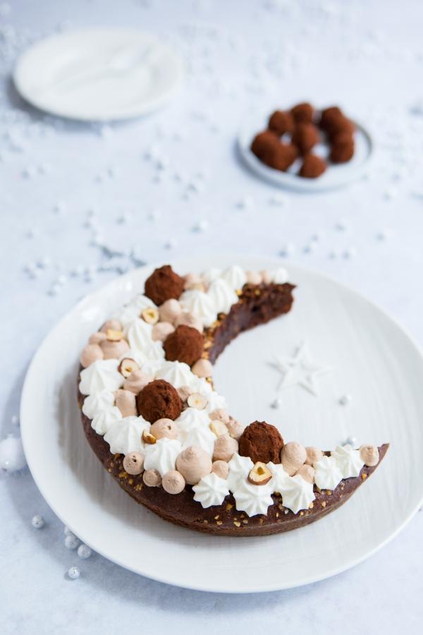 Gâteau au chocolat en forme de lune