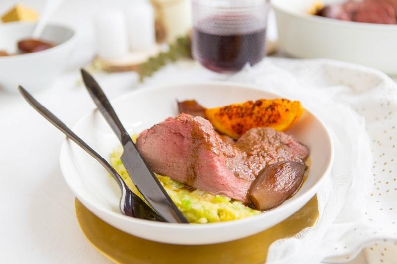 Chevreuil rôti à l'orange et épices