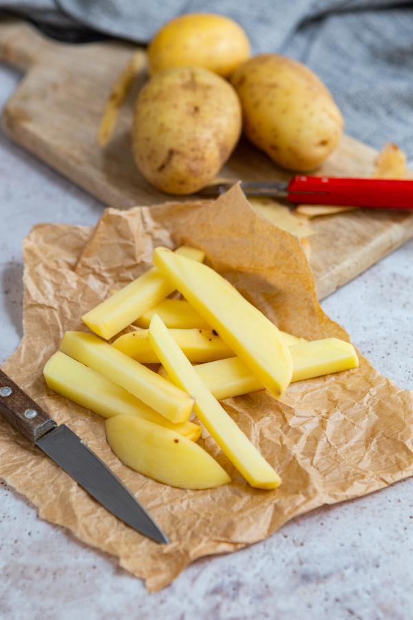 Comment faire des frites de pomme de terre ?