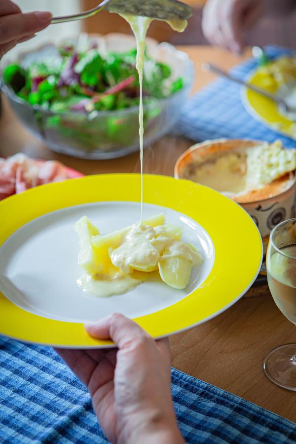 Plat au fromage chaud : Le Mont d'Or