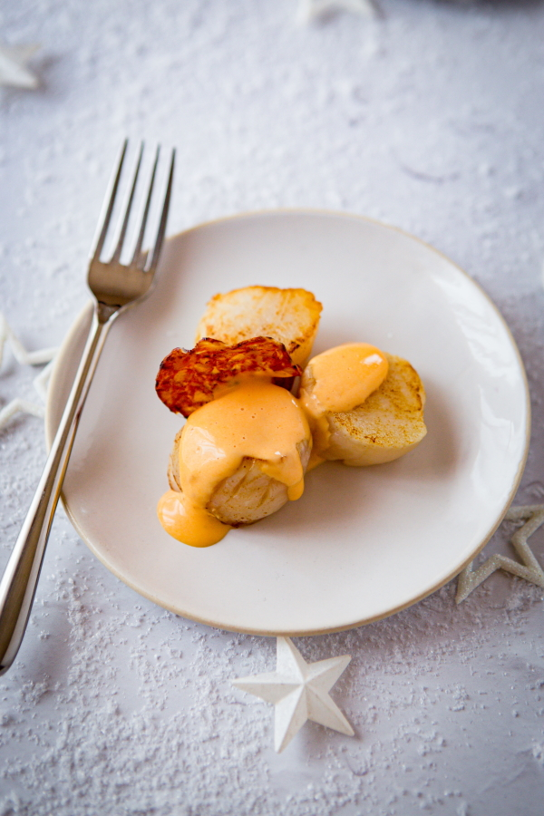 Noix de Saint-Jacques et crème au chorizo