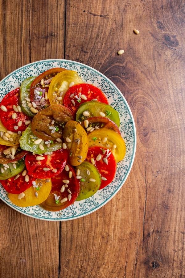 Comment réussir une salade de tomates multicolores